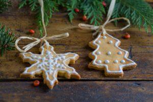 Biscuits de Noël à suspendre