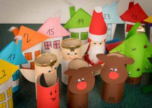 Décorations de Noël en carton et papier