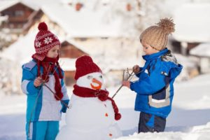 activité enfant montagne bonhomme de neige