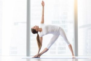 Yoga posture du triangle